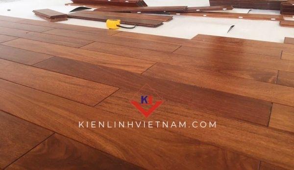 gỗ lót sàn căm xe