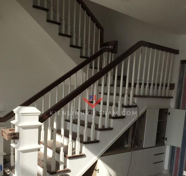 lan can cầu thang gỗ