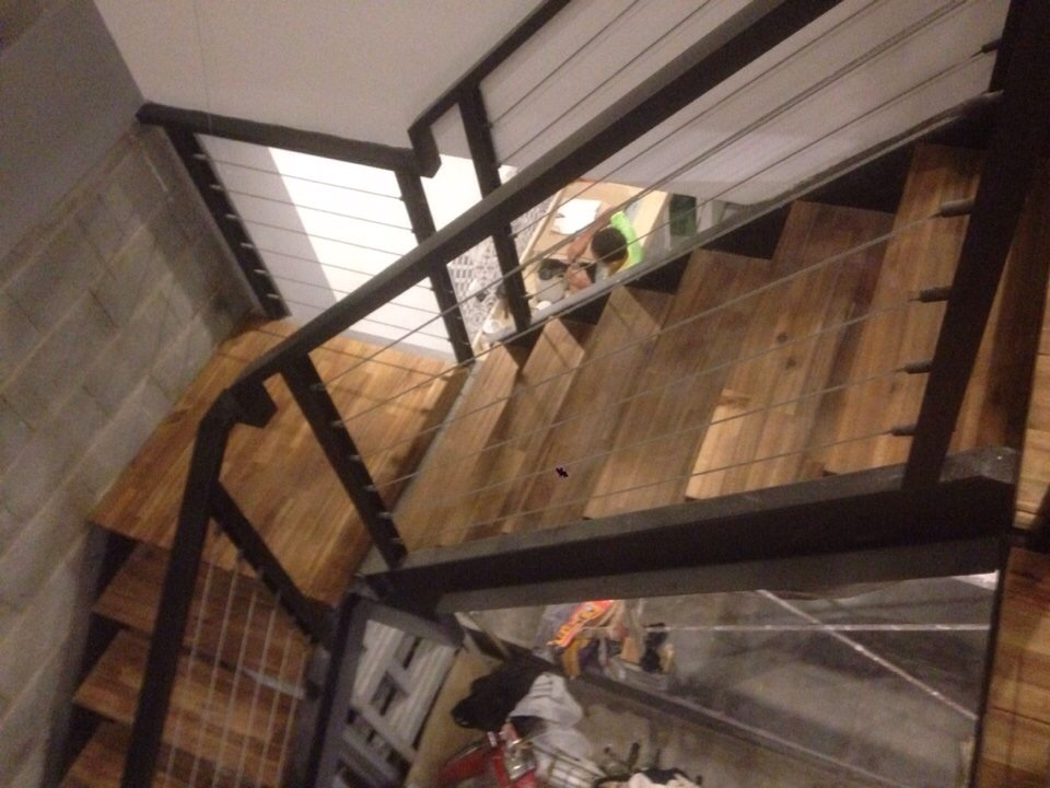 cầu thang gỗ tràm